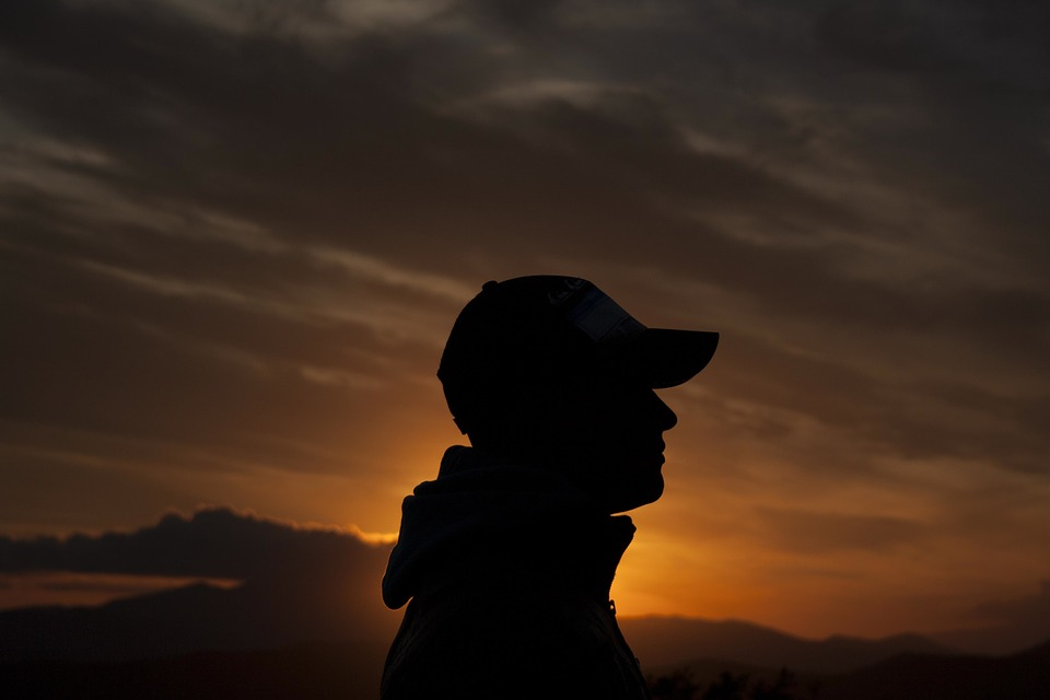 man-silhouette-1245650_960_720